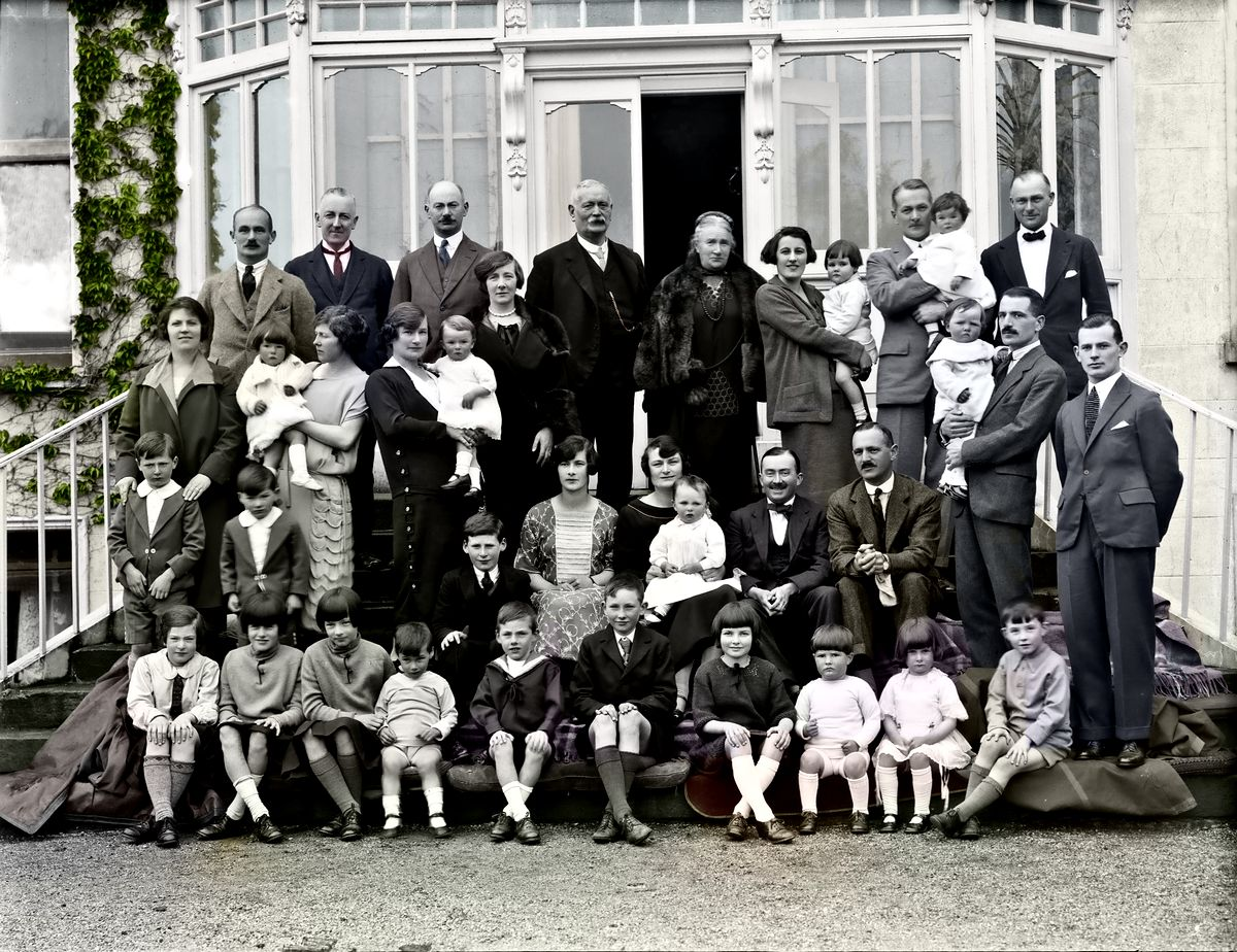 family-colorized result-gallery1