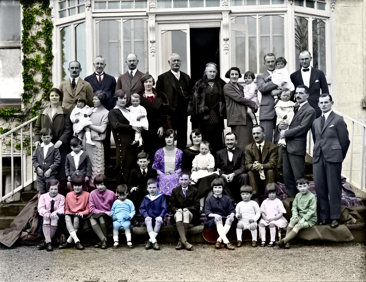family-colorized result-gallery2